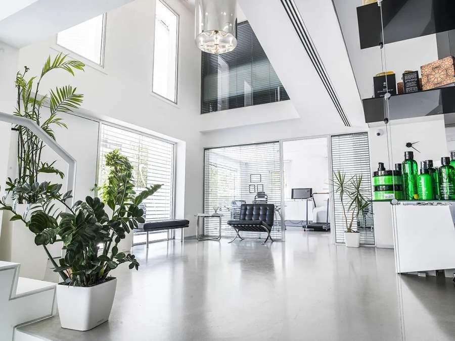 interior014.jpg